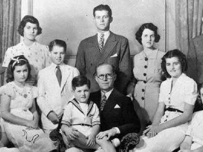 'Maldição Kennedy' | Família vive série de tragédias desde os anos 1940; relembre