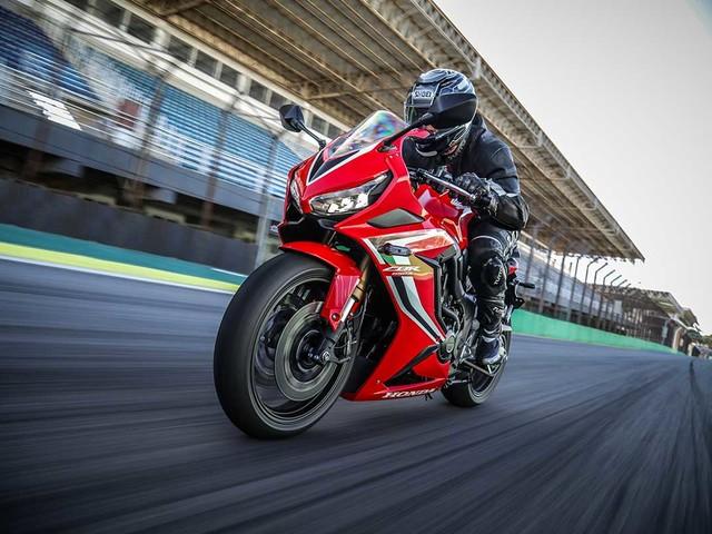Honda CB 650R e CBR 650R já estão nas revendas da marca