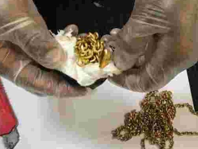 Homem é detido com carga de quase 1 kg de ouro escondida no ânus