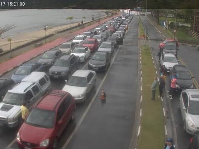 Após cinco horas, travessia entre São Sebastião e Ilhabela é liberada