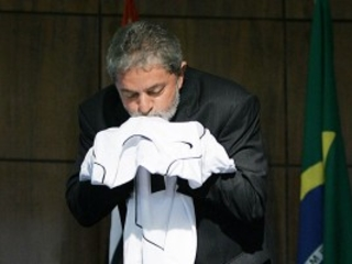 A Caixa virou as costas para o Corinthians campeão. O sonho é que Lula a traga de volta