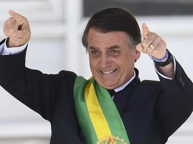 """Ciro chama Bolsonaro de """"Magda das milícias"""""""