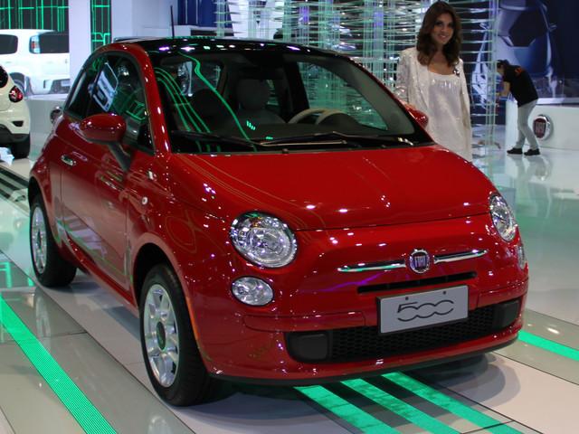 Fiat 500 retorna ao Brasil e já distribuído para as revendas