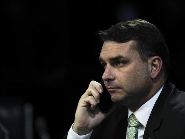 Supostas 'rachadinhas' | STF deve derrotar Flávio Bolsonaro e enviá-lo de volta à primeira instância