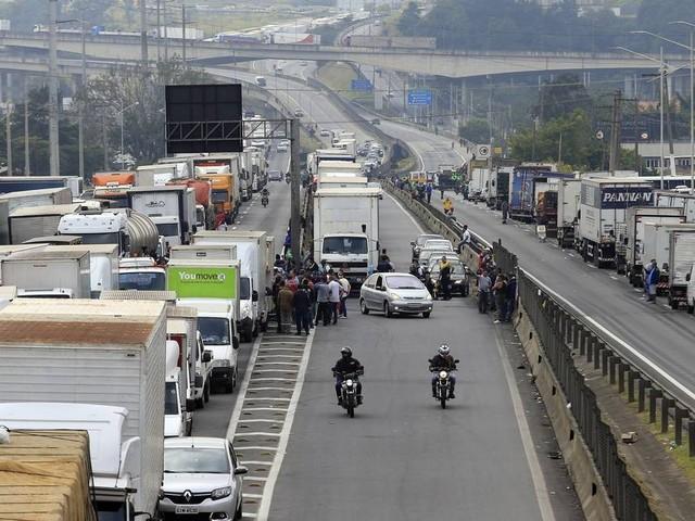 Governo de SP vai à Justiça pedir ressarcimento de suspensão do pedágio