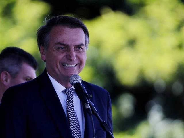 Bolsonaro diz que decide na próxima semana sobre saque do FGTS e nega fim da multa de 40%