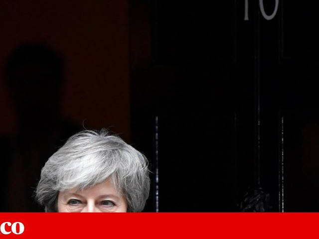 """May pede à UE um adiamento curto do """"Brexit"""""""