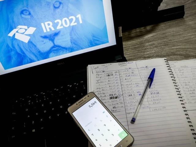 IR 2021: Receita recebe 446 mil declarações no primeiro dia de envio do documento
