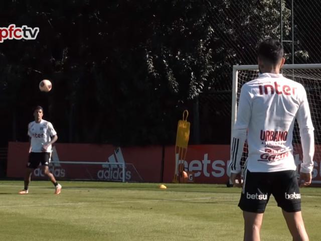 Elenco do São Paulo treinou no CT da Barra Funda e realizou atividade com bola
