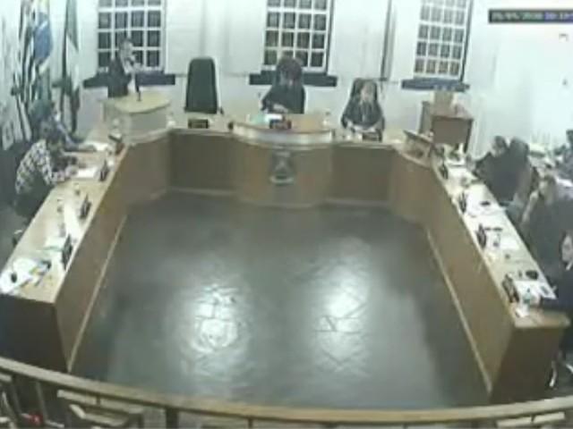 Câmara de Paraibuna aprova aumento de salário para vereadores e vice-prefeito