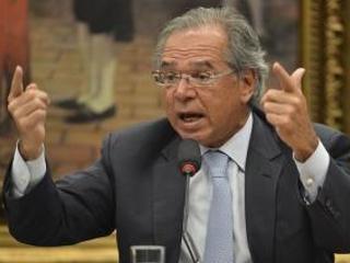 Relação mais estreita | A industriais, Guedes promete menos burocracia