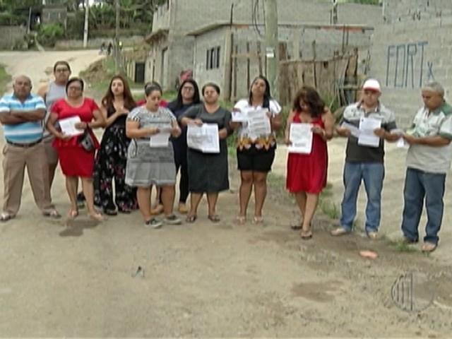 Moradores que vivem no limite entre Mogi das Cruzes e Itaquaquecetuba recebem carnês do IPTU das duas cidades