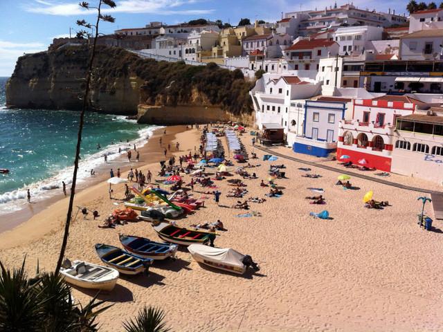 Turismo: Dormidas de residentes no Algarve subiram 11,2% em maio e dos não residentes caem