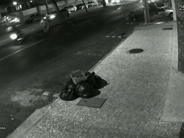 Idosa morre atropelada por moto ao cruzar avenida de Goiânia; vídeo