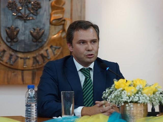 Redução do IRC do Governo Regional é tiro de pólvora seca, diz Rui Barreto