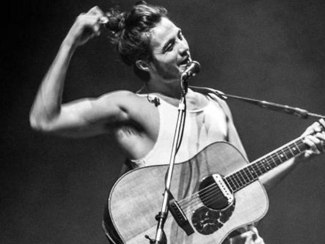 Tiago Iorc anuncia 1ª turnê após passar mais de um ano 'sumido'
