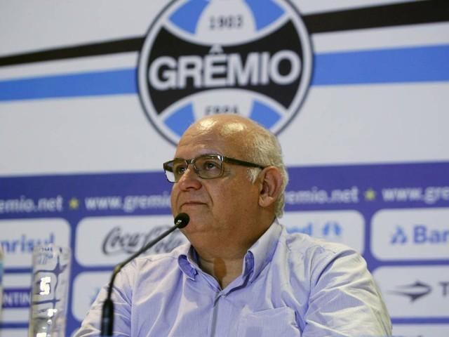 Bolzan nega contato com Diego Souza e desiste de Sánchez