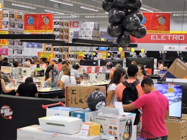 Procon faz mais de 200 atendimentos durante a madrugada de Black Friday em Natal