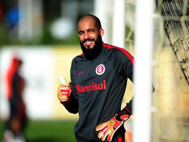 Empresário vê renovação de Danilo Fernandes encaminhada com o Inter