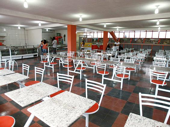 Setor de serviços tem queda de 0,3% em setembro, diz IBGE