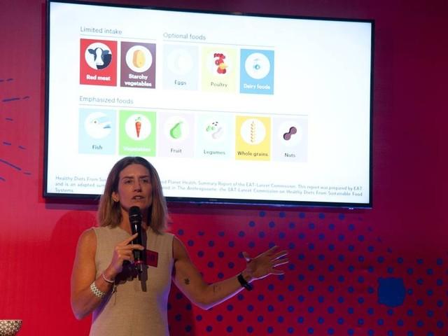 Castanha de caju para beber é destaque em aula da nutricionista Alessandra Luglio