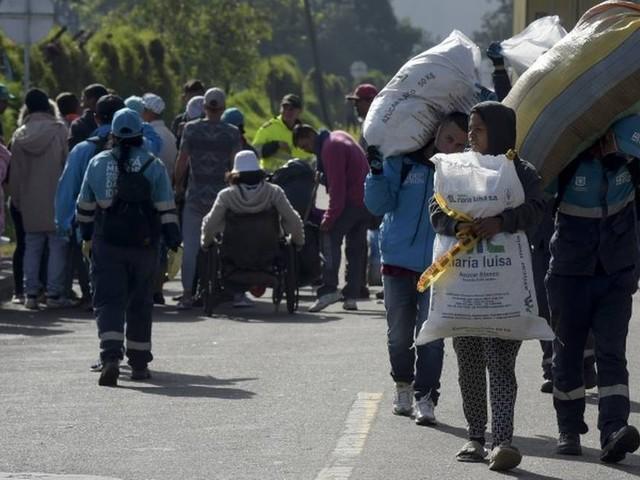 Detidos por horas, dois jornalistas brasileiros e um espanhol são libertados na Venezuela