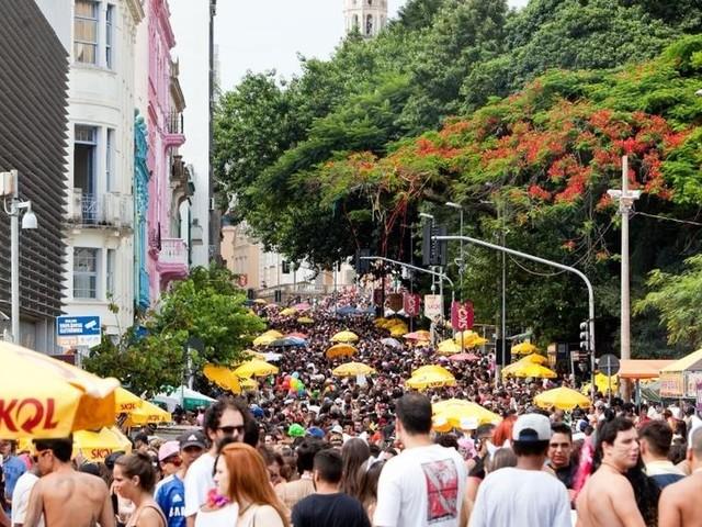 Procon de SC dá dicas aos foliões sobre direito do consumidor durante o carnaval
