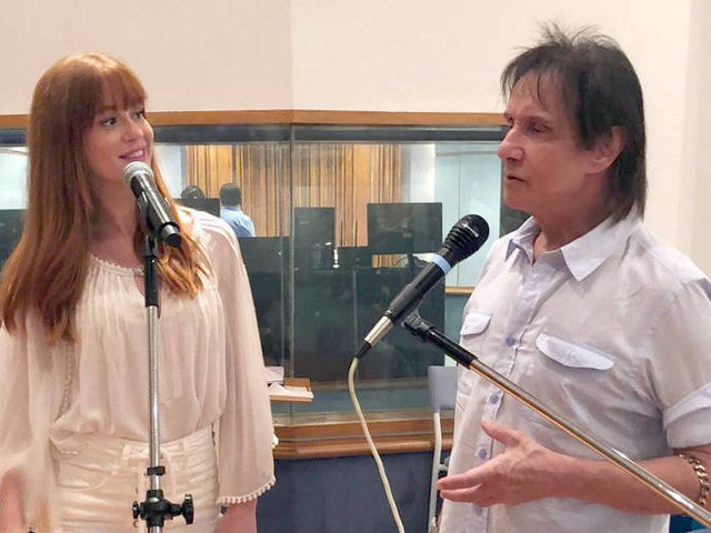 Alejandro Sanz e Marina Ruy Barbosa cantam ao lado do Rei no especial de fim de ano