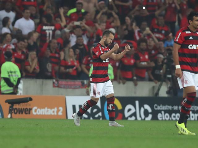 Flamengo derrota o Grêmio no Maracanã e avança na Copa do Brasil