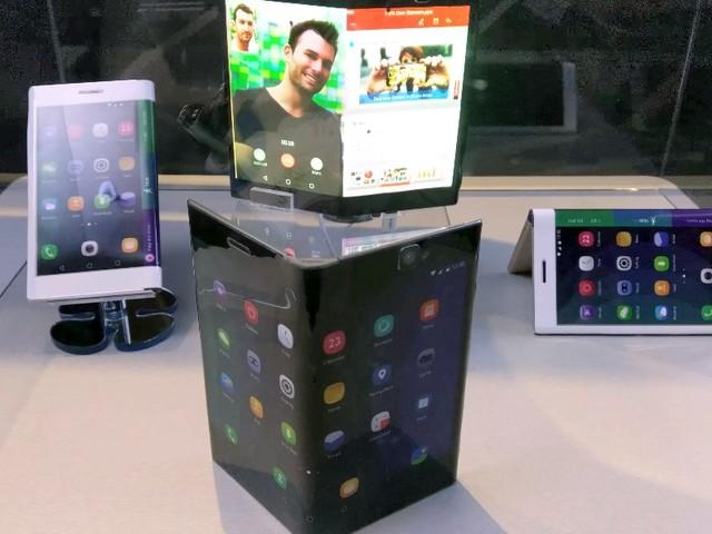 Uma olhada de perto no tablet dobrável da Lenovo que vira smartphone