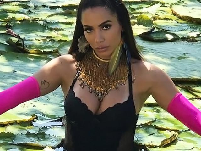 "Solta a batida, Alesso! O clipe de ""Is That For Me"", novo single da Anitta, chega nessa sexta"