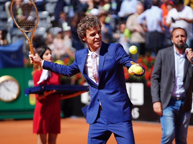 Confira fotos da homenagem para Guga no ATP de Roma