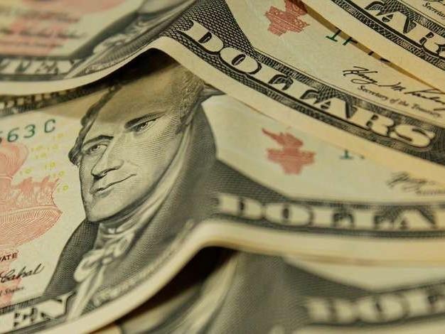 Ibovespa cai e dólar sobe com temor de atrasos e alterações na Previdência