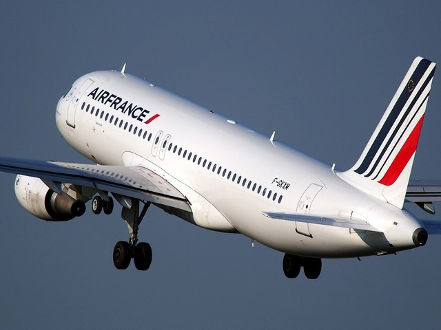 Air France inicia venda de classe executiva em voos domésticos