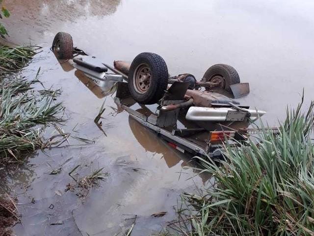 Homem é encontrado morto em caminhonete que estava dentro de açude, em Saudade do Iguaçu