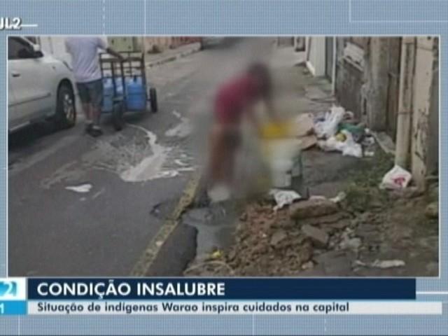 Vídeo mostra criança indígena Warao tomando banho em vazamento de água na tv. Campos Sales em Belém