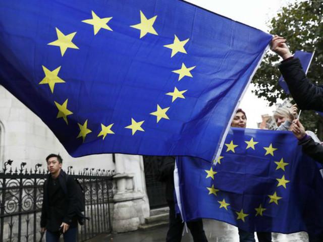 Comércio internacional de mercadorias da zona euro regista excedente de 26,3 milhões
