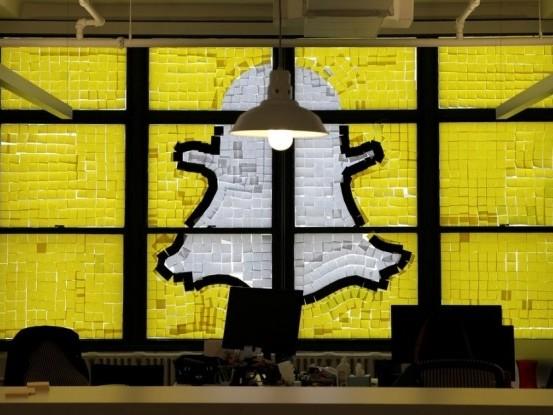Snapchat demite e fala em reorganização para sobreviver