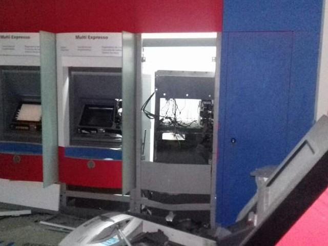 Criminosos explodem duas agências bancárias em Tabapuã