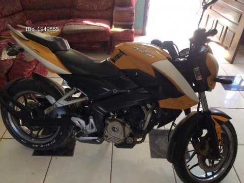 Moto pulsar 200