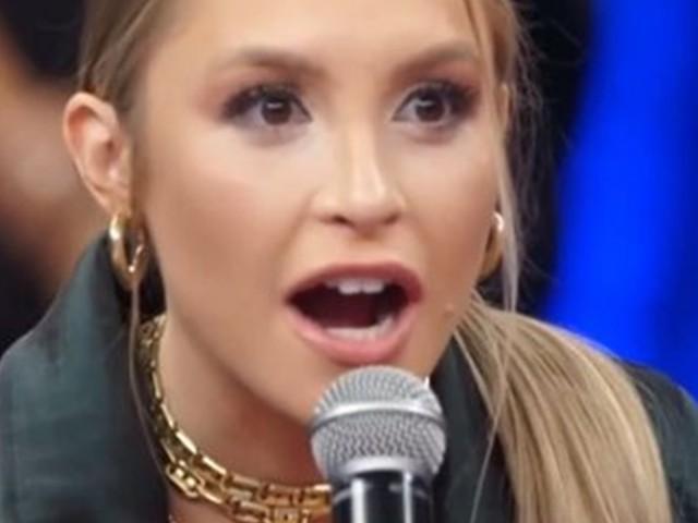 """Fora do BBB21 Carla Diaz fica em choque ao descobrir que participante namorou a cantora Maraísa : """"Mentira!"""""""