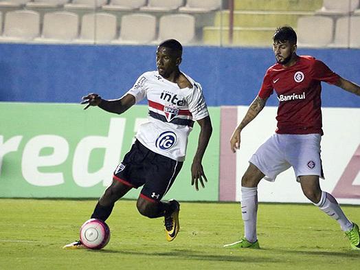 Em jogo adiado, São Paulo vence Inter nos pênaltis e vai à final da Copa SP