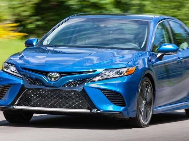 Toyota Camry 2018 fica mais caro e mais econômico - EUA