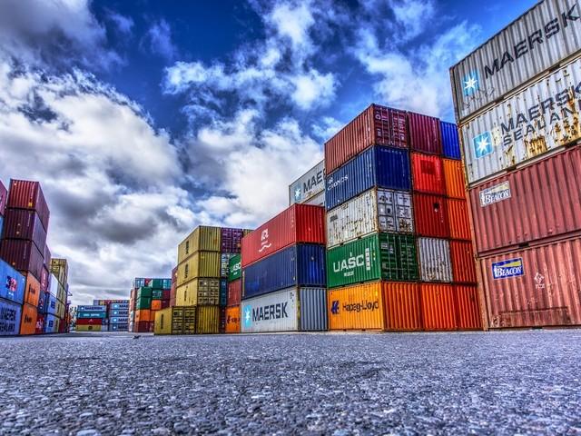 Balança comercial tem superávit de US$ 3,428 bilhões em novembro