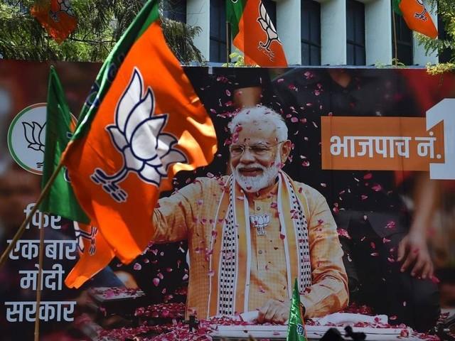 Primeiro-ministro indiano é reeleito em vitória esmagadora