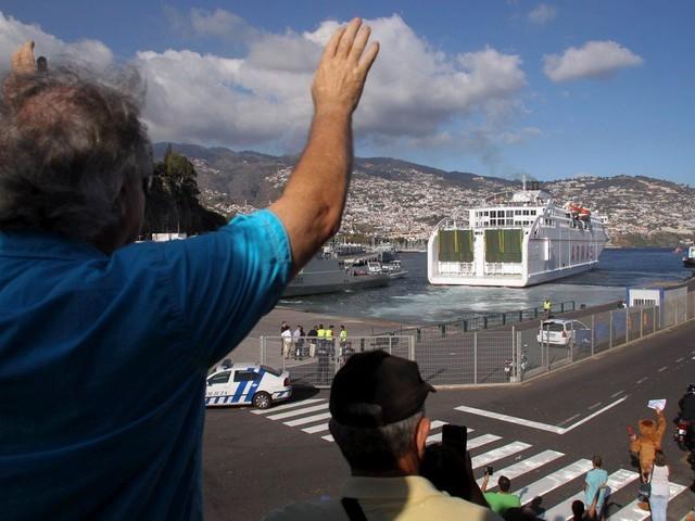 Governo estuda ligação <i>ferry</i> entre Funchal e Lisboa