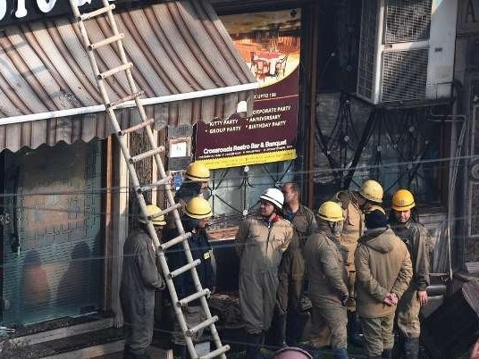 Incêndio em hotel da Índia deixa ao menos 17 mortos