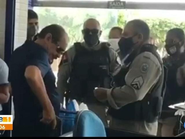 Policial civil é detido suspeito de ameaça em supermercado por se recusar a usar máscara, na PB