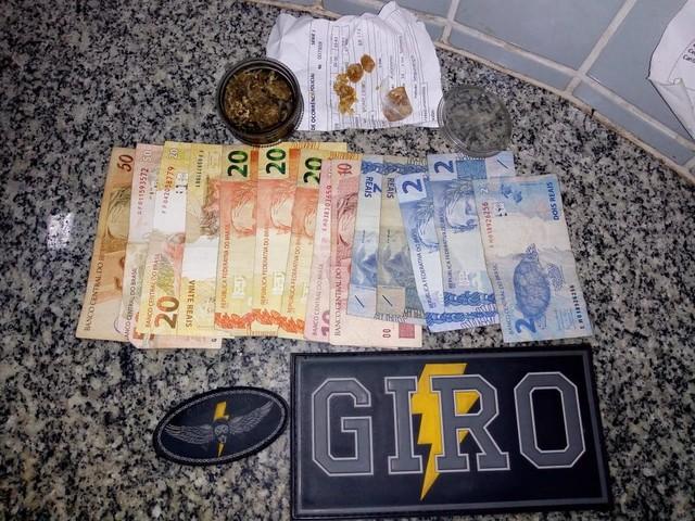 Casal é preso por suspeita de tráfico de drogas em praça pública na zona Oeste de Boa Vista