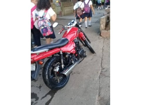 VENDO Motocicleta modelo Fast Win Sport 220, 550 Dolares NEGOCIABLE